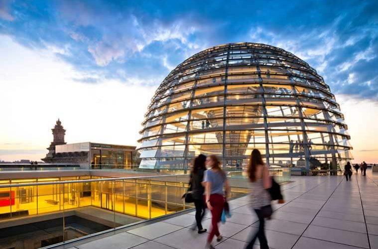 Reichstag in Berlin ansehen