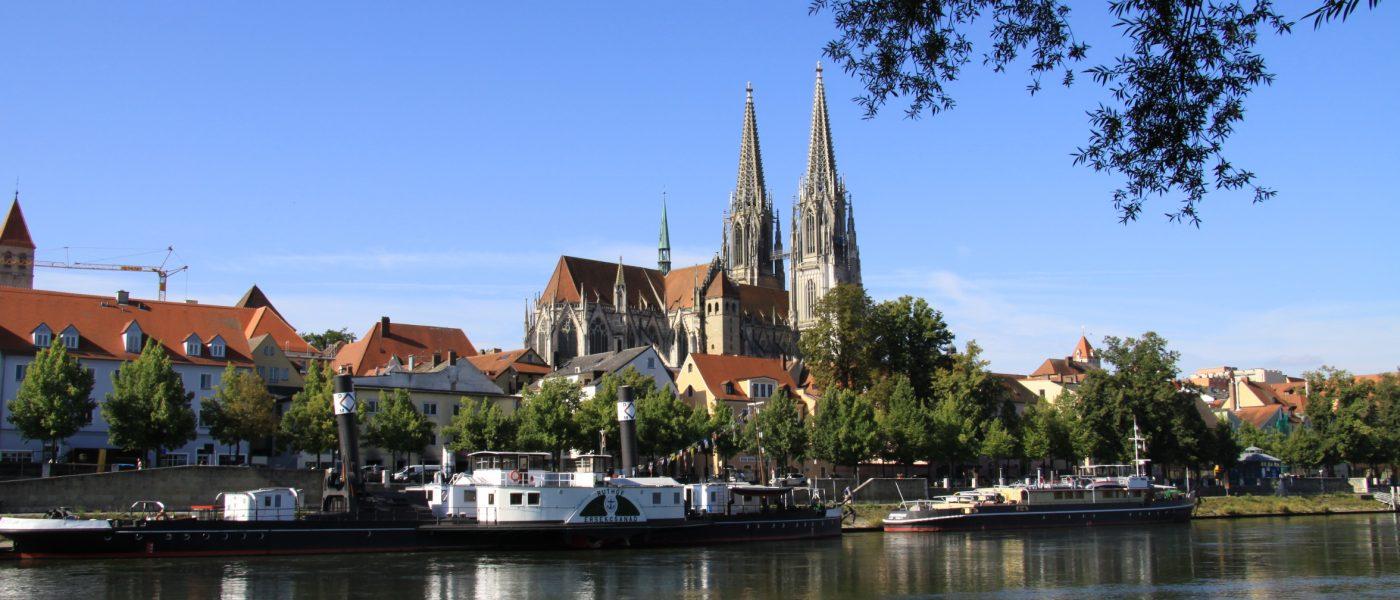 Regensburg mit dem Dom an der Donau