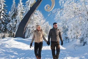 6 Skigebiete, zahlreiche Winterwanderwege und 400km Loipennetz machen die Schneevergnügen vor der Haustür in der Wintersport-Arena Sauerland