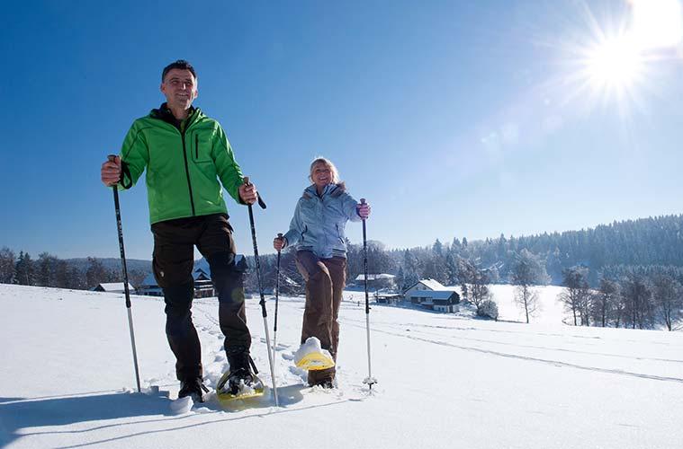 Geräumt, gewalzt oder naturbelassen und mit Schwierigkeitsgraden von leicht bis schwer überzeugt die große Auswahl von Winterwanderwegen in der Region Sauerland.