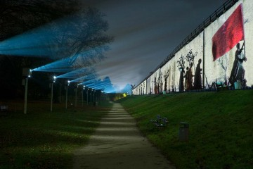 In Bad Rothenfeld leuchten die Gradierwerke zur Zeit in einem besonderen Licht.