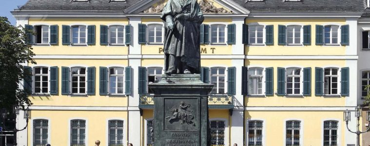Beethoven-Denkmal auf dem Bonner Münsterplatz